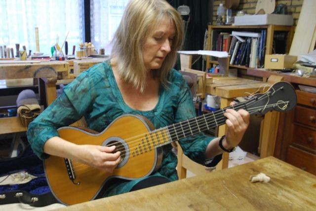 イレーンさんのギター