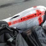 今回の荷物。持ち込めないので楽器も梱包した。